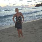Пляж Калим через дорогу, прилив и закат