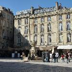 La Place du Parlement et sa Fontaine