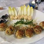 Order of 3 crab cakes that served as 6 smaller cakes;)