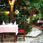 Terraza jardin para las noches de verano
