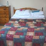 Also a single bed to the left of picture