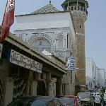 Accès au souk de la Médina en passant par la Mosquée Zitouna