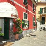 Photo of Crismar Hotel