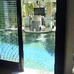 not a long swim to pool bar