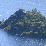 Isla en el lago