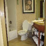 Bathroom was same in rooms 518/601