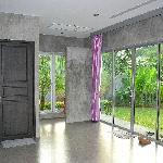 le halle d'entrée et la toilettes pour invités