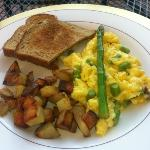 breakfast on the deck! delish!
