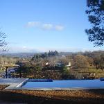 vista al rio desde la ventana del comedor