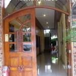 Keni Po entrance