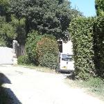 Vehicules agricoles au bout du chemin du gite