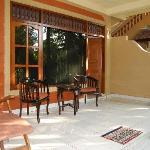 terrasse des chambres proches de la piscine