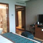 Well equipped room and bathroom