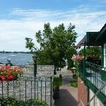 Lake Ontário e o Hotel Gananoque In