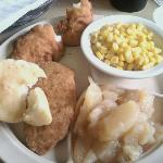 Chicken tenders, apples and corn
