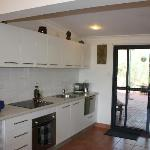 Vatu Sanctuary HOMESTEAD apartment - kitchen