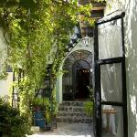 Casa de la Noche pathway