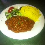 Spicy chili con carne with rice & salad - excellent