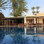 vue sur la piscine du Riad