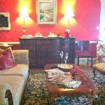 Sitting room where tea and cookies are served 4-6 pm.