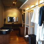 Honeymoon suite - Walk in wardrobe