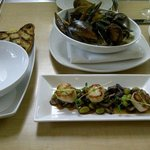 Our appetizers - the mussels were superb!