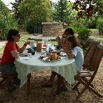 Desayuno en el jardin. Palazzo a Merse