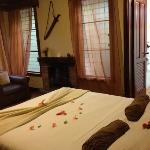 comfortable, simple, with nice amenities-fresh flowers!