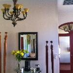 Graceful Art in Livingroom