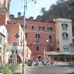 """Hotel e ristorante """" la Vela Bianca"""
