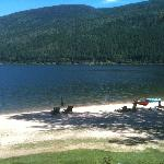 Beach and Kootenay Lake