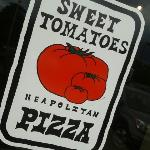 sweet tomatoes Pizza