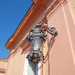 Un particolare delle lampade del primo piano