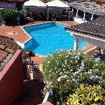 piscina e ristorante da NINO'S