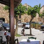 Терраса таверны и венецианские Neoria на Kalergon