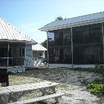 blick auf das Motel und ein Cottage