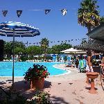 Una delle due piscine con zona riservata ai bimbi e piccolo angolo idromassaggio