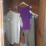 clothes cabinet with no pole