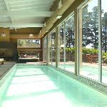 Piscina cubierta climatizada y exterior