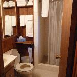 Bathroom - cabin 6