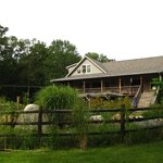 Photo de Bernetta's Place Bed & Breakfast Inn by the Lake