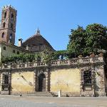 la chiesa vista da dietro