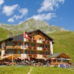 Hotel and Restaurant Alpina