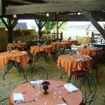 8) Terrasse de l'hostellerie de Saint Front