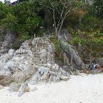 Acceso a la pequeña playa