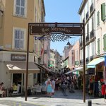 entrance to rue meynadier