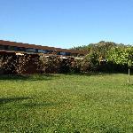 habitaciones con pequeña terraza privada que da al bosque y jardin
