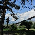 Parques de arvorismo e tirolesa