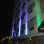 Devant de l'hôtel de soir