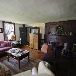 Common room (tv, books, etc)
